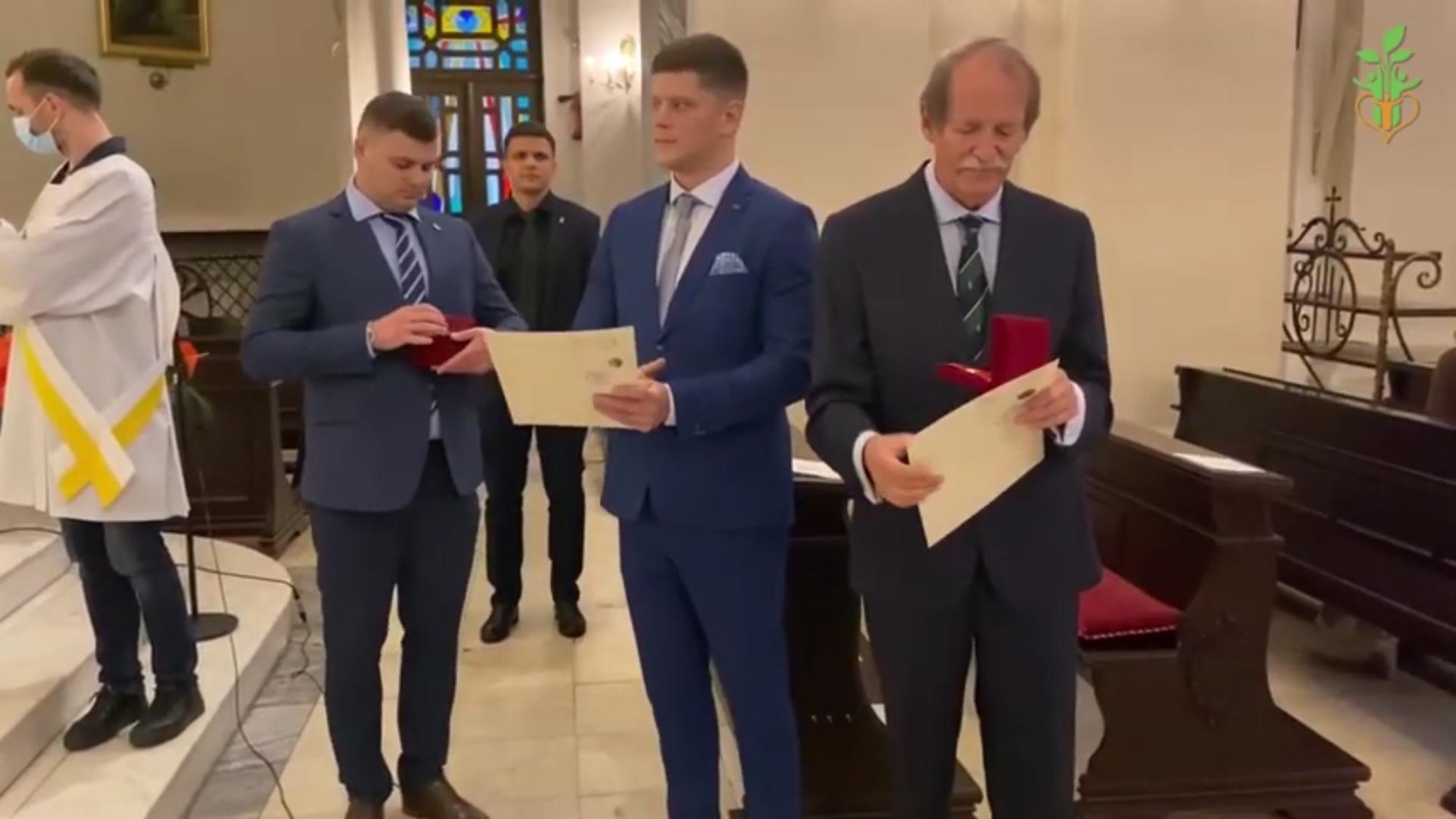 ЛИЦАРСЬКИЙ ОРДЕН Крила Святого Михаїла нагородження